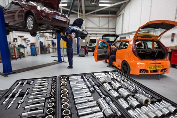 Cara memulai bisnis bengkel motor dan mobil  - Perlengkapan dan peralatan kerja