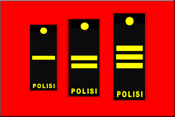 Pangkat perwira pertama dari kantor polisi