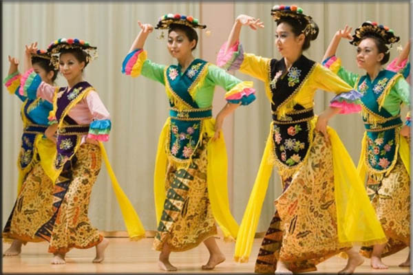 Suku Bima Timur Nusa Tenggara