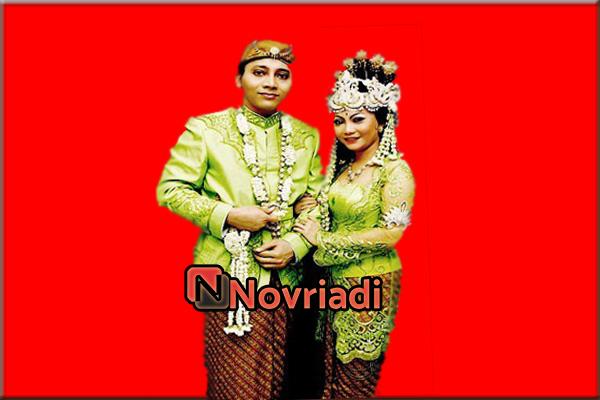 Pakaian adat Kebaya dari provinsi Jawa Barat