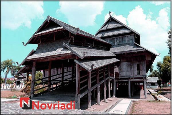 Rumah Adat di Provinsi Nusa Tenggara Barat | Rumah Istana Sultan Sumbawa