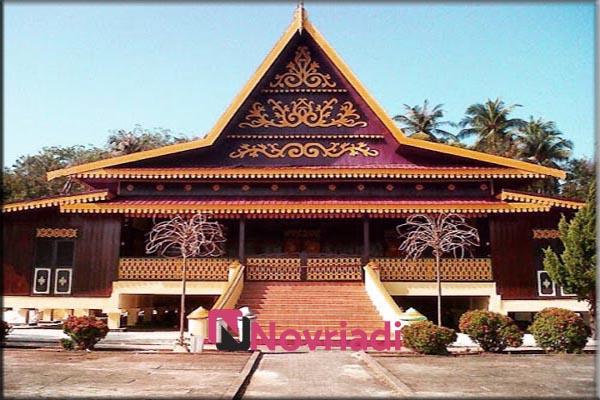 Rumah-rumah adat di provinsi Riau | Rumah Melayu Selaso
