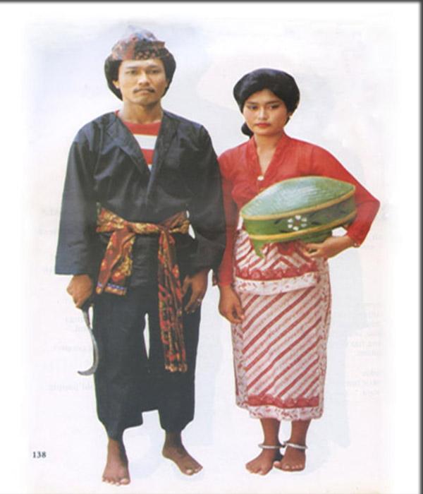 Pakaian tradisional Pesa'an di provinsi Jawa Timur