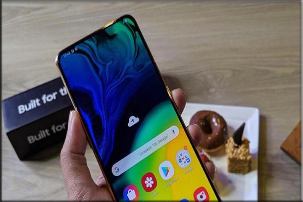 Samsung Galaxy A80, Usung Pop-up Rotating Camera