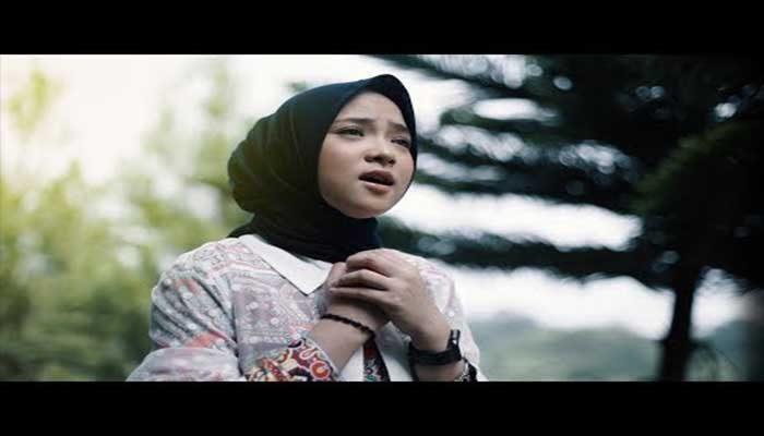 56+ Daftar Lagu Islami Yang Menyejukkan Hati