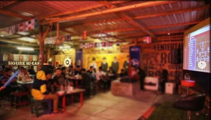 House 10 Cafe