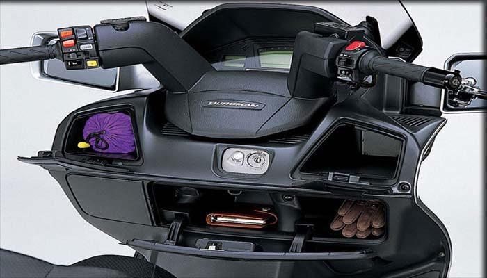Motor Matic Suzuki Burgman 650 Executive