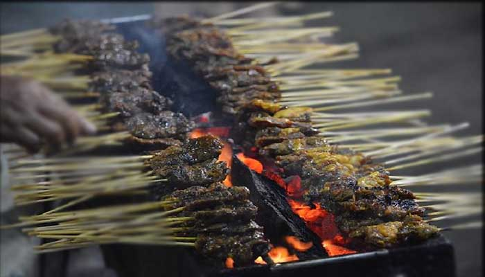√ 11 Tempat Wisata Kuliner Malam di Aceh