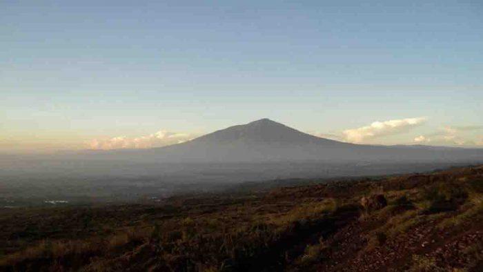 jalur pendakian gunung yang sudah dibuka